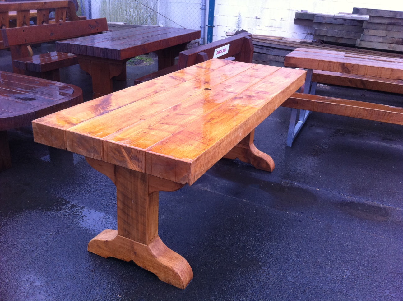 Westcoaster table