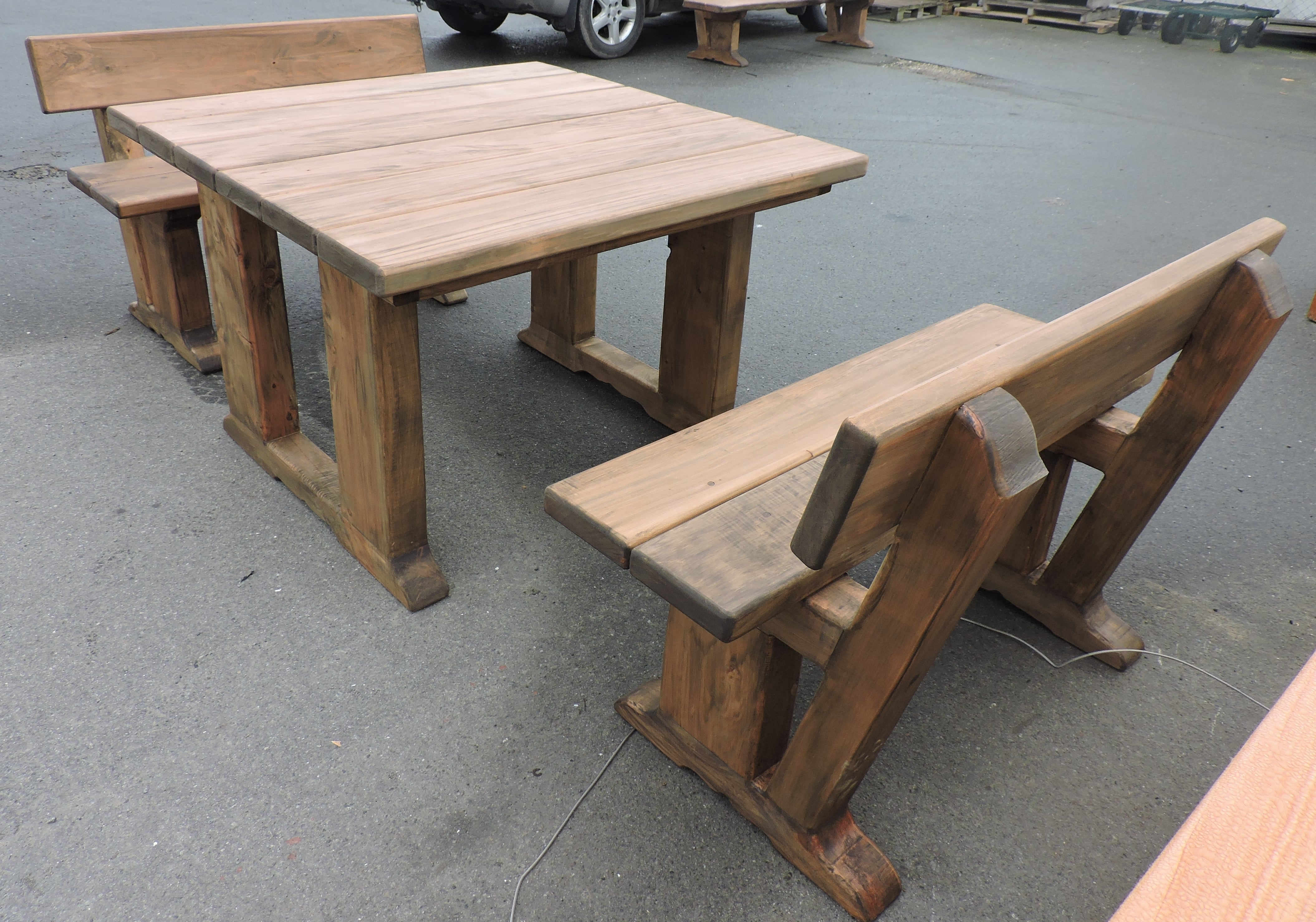 The Caesar square table with two seats