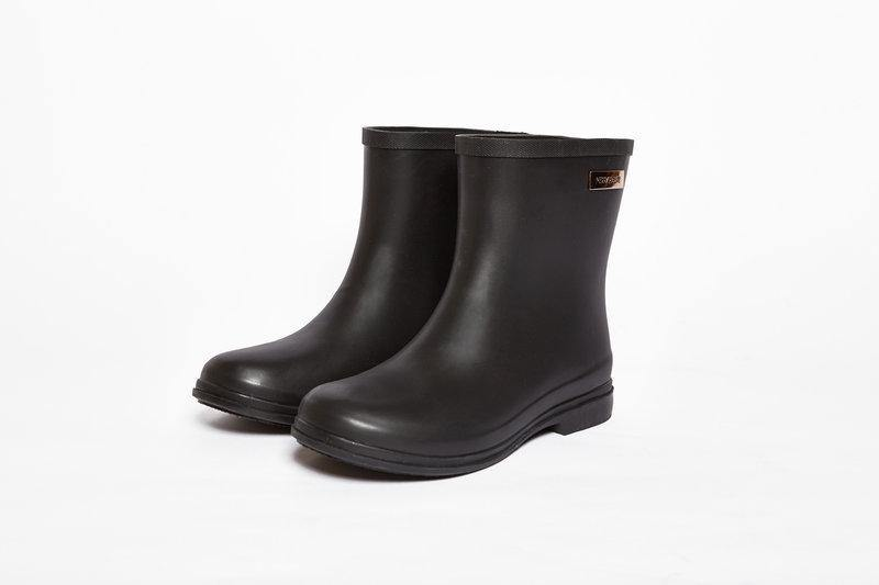 Rosey Gumboot // Black