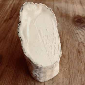 Golden Cross Soft Raw Goats Cheese 225gm Sussex Special Offer