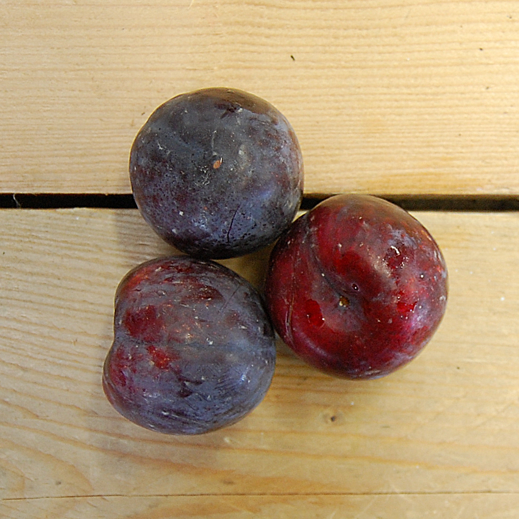 Plums Red 400g