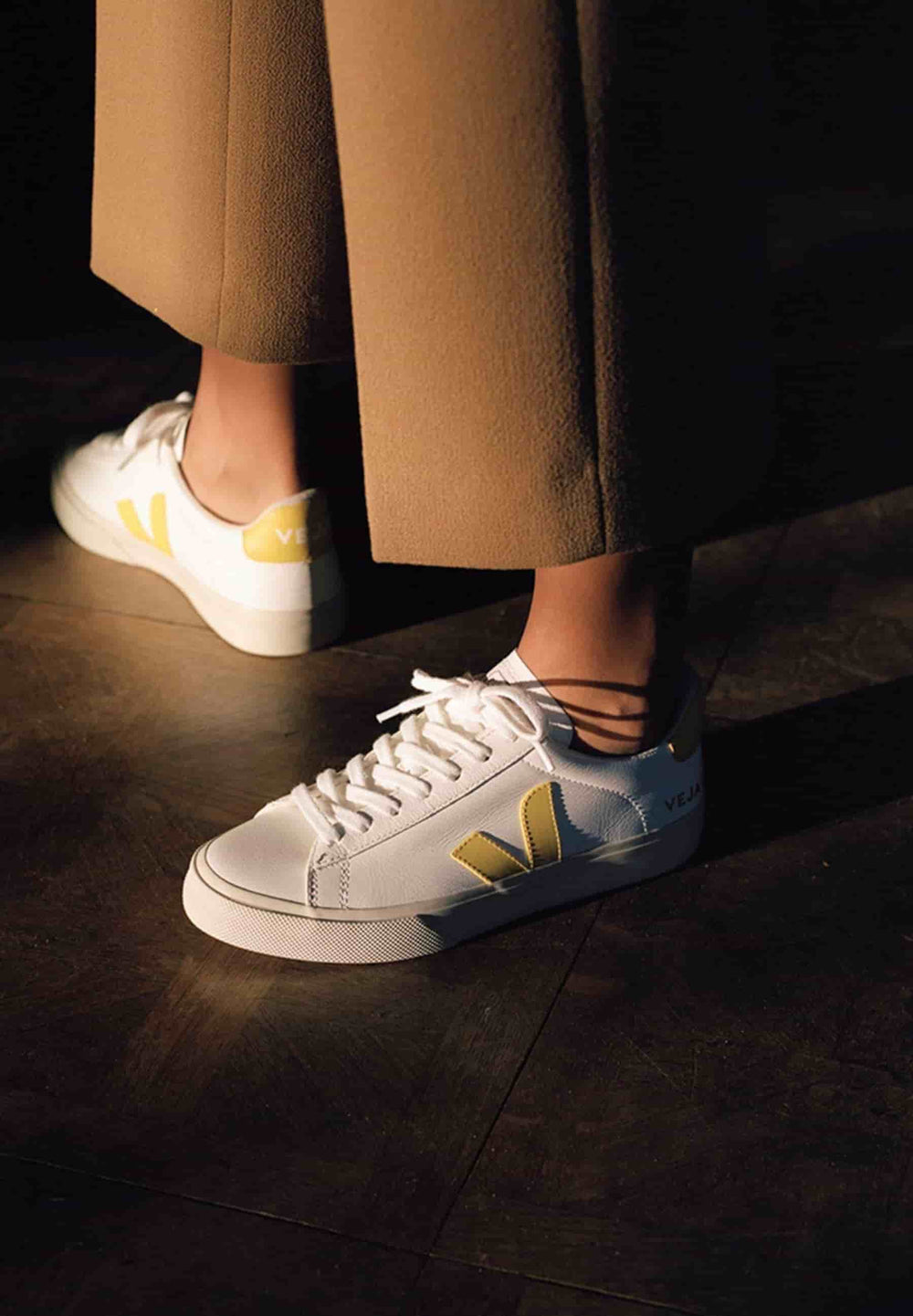 Veja Sneakers WOMEN CAMPO CHROMEFREE LEATHER EXTRA-WHITE_TONIC