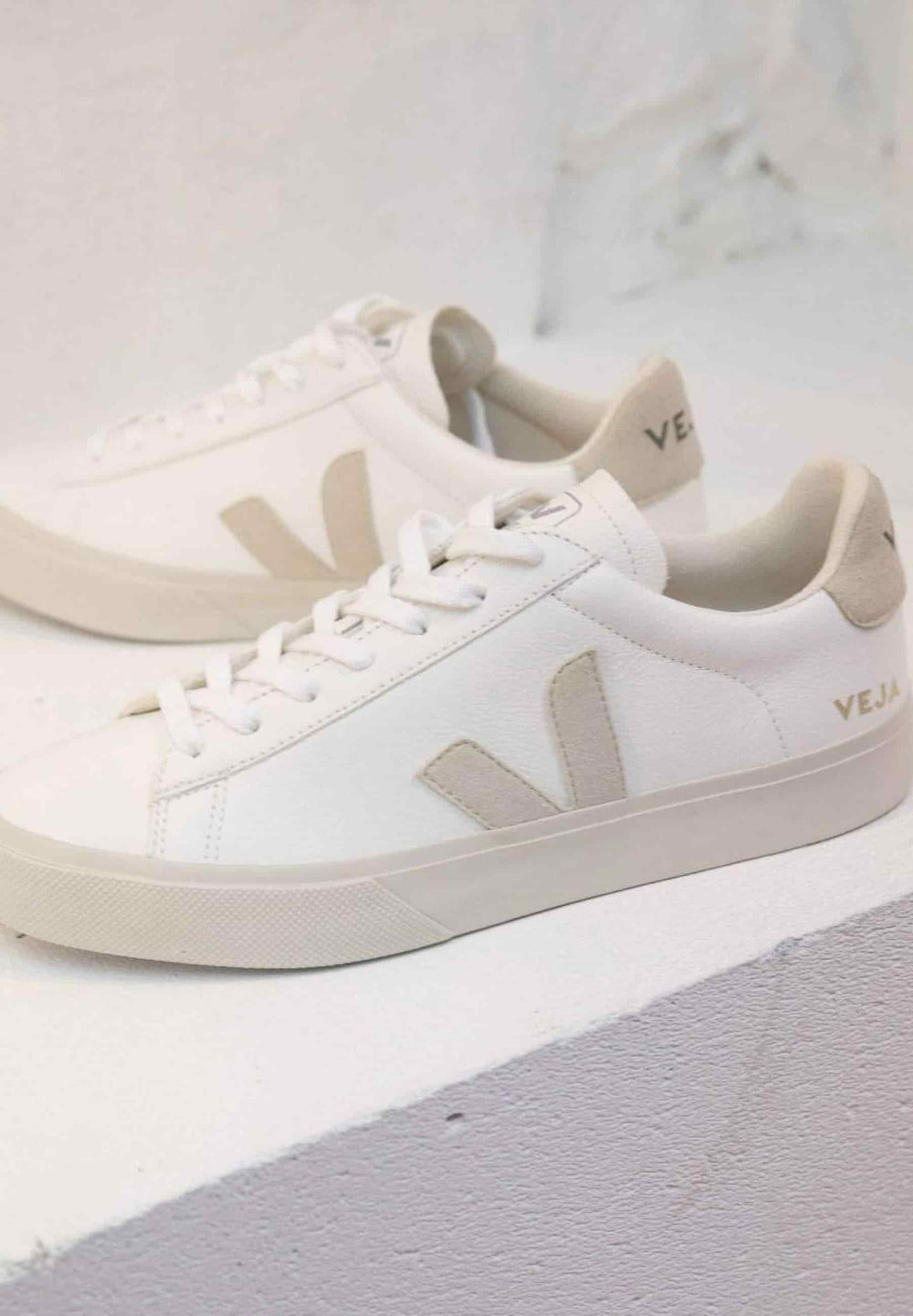 Veja Sneakers WOMEN CAMPO CHROMEFREE LEATHER WHITE NATURAL