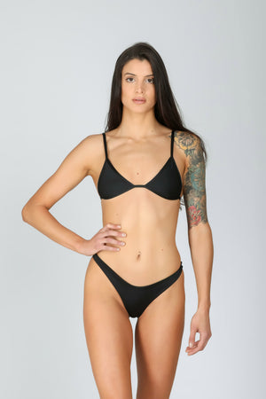 Rebel Triangle 3.0 Deep Black: bikini a triangolo nero