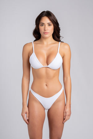 Rebel Triangle 2.0 White: bikini moda mare 2019, bikini bianco