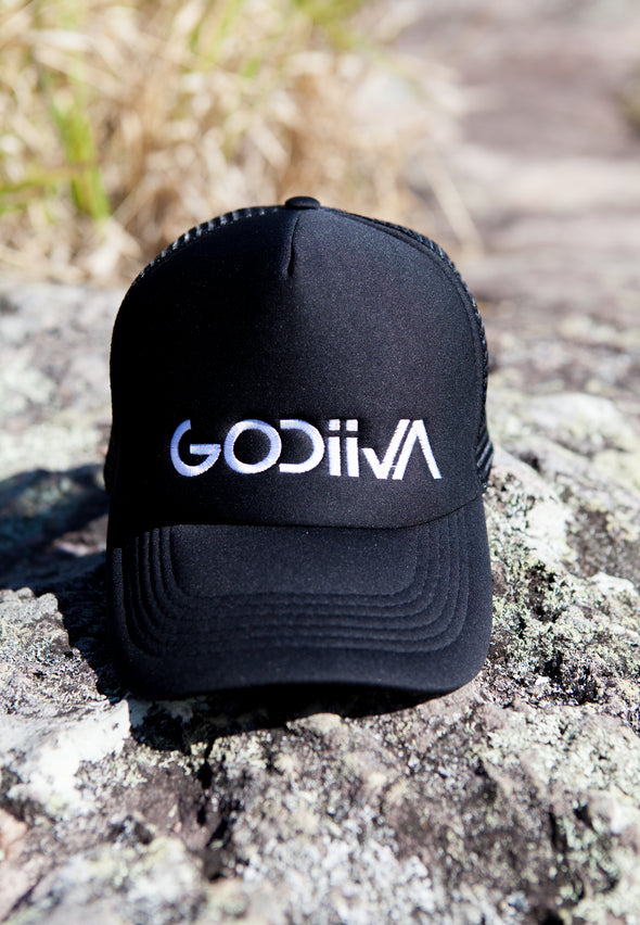 GODIIVA BLACK & WHITE EMBROIDERED TRUCKER CAP