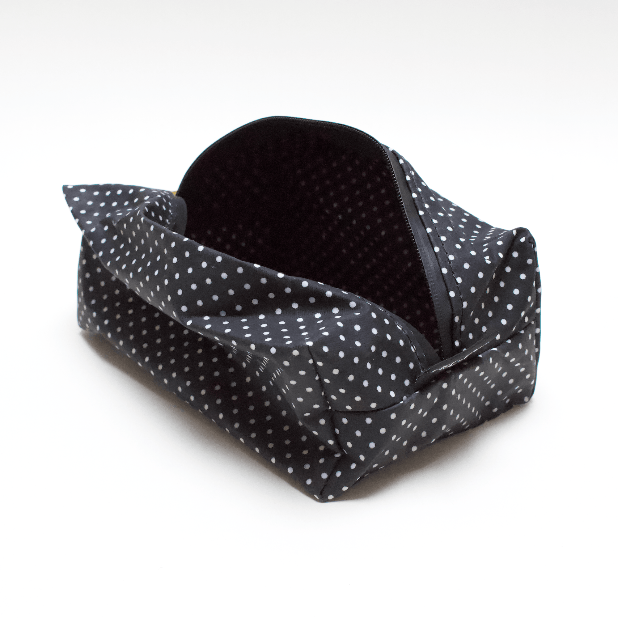 Obsessed Wash Bag - Polka Dot | Black leather - Vel-Oh