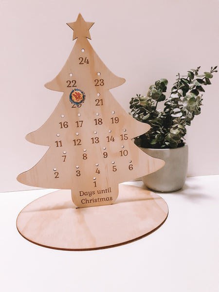 CHISTMAS TREE ADVENT CALENDER