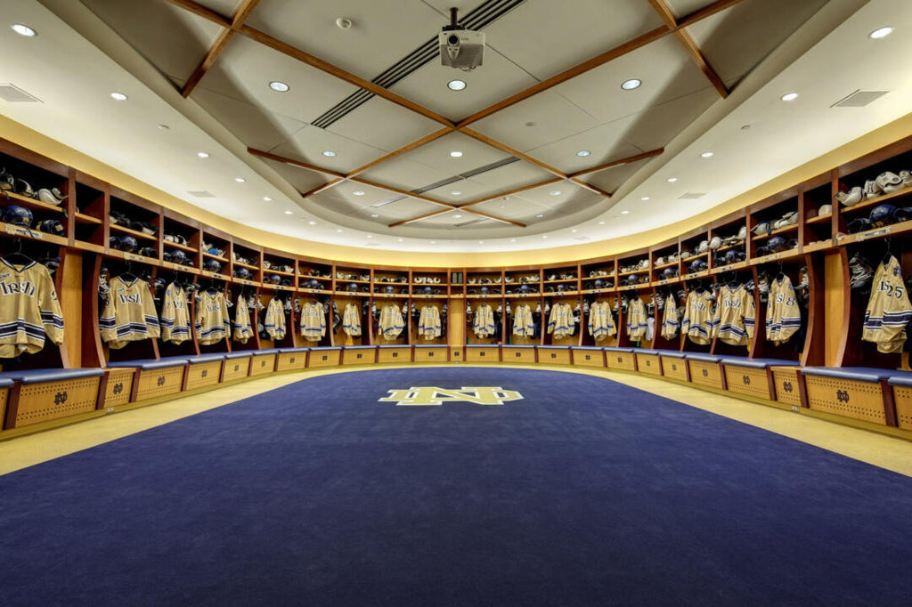 university of notre dame hockey compton family ice arena locker room top 10 list college hockey fighting irish