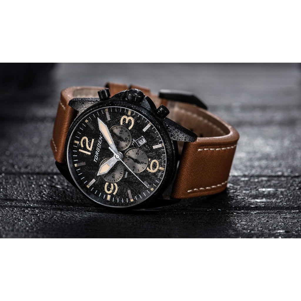 T16 Meteorite | Black Case - 44mm - Leather Strap