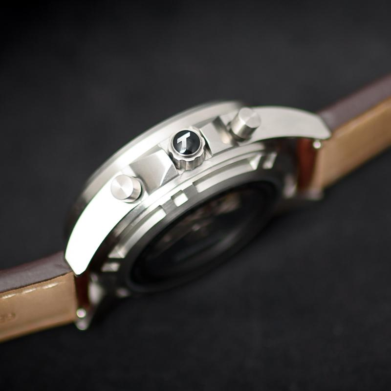 T36 Cream Automatic | 44mm - Limited Edition - Valjoux 7750