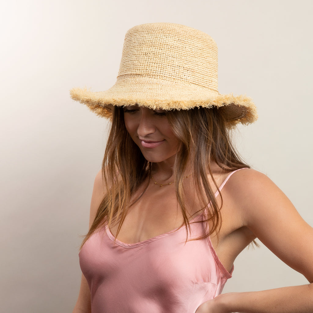 Packable Raffia Bucket Hat