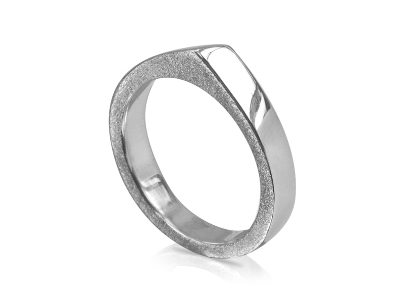 Pamela Lauz Jewellery - Edge Slim Forward Slash Ring High Polish