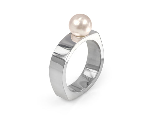 Pamela Lauz Jewellery - Kubo White Pearl Ring