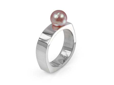 Kubo White Pearl Ring