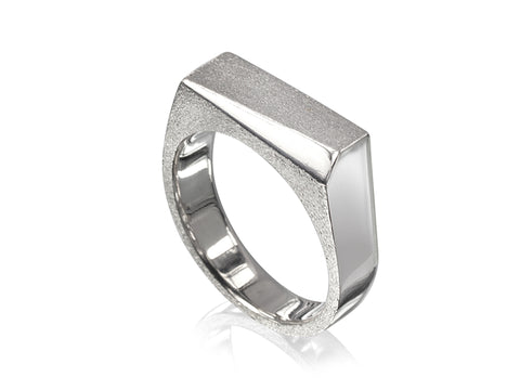 Edge Slim Forward Slash Ring Textured
