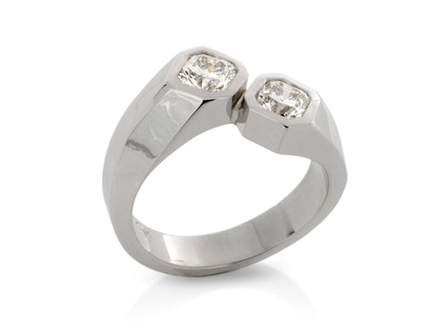 Pamela Lauz Jewellery - Sculptural Diamond Cross-over Ring