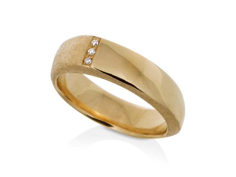 Pamela Lauz Jewellery - Solstice Three-Diamond Ring