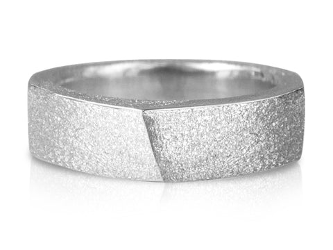 Edge Slim Forward Slash Ring High Polish