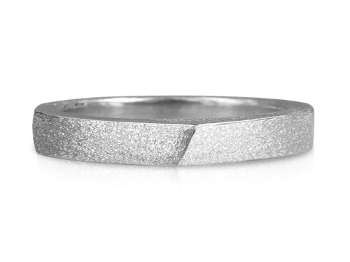 Pamela Lauz Jewellery - Edge Slim Forward Slash Ring Textured
