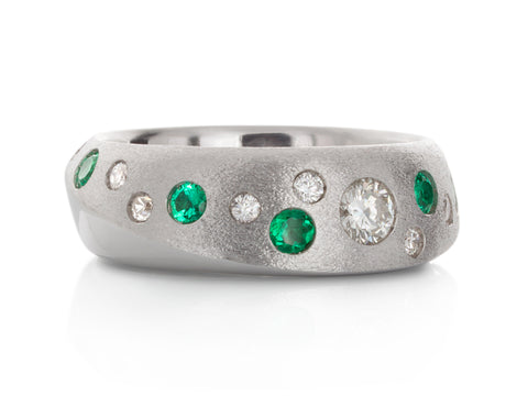 Emerald and Diamonds Halo Ring