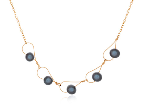 Rain Black Pearl Necklace