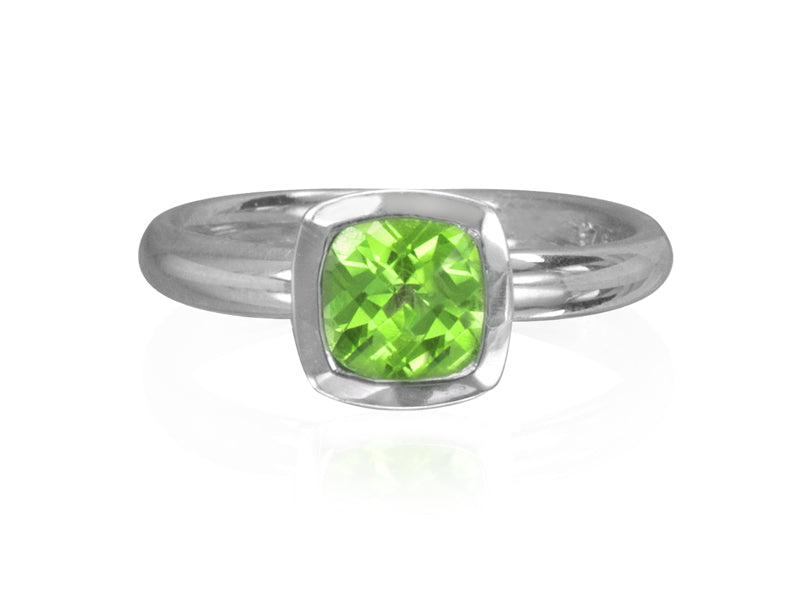 Pamela Lauz Jewellery - Dolci Cushion Peridot Ring