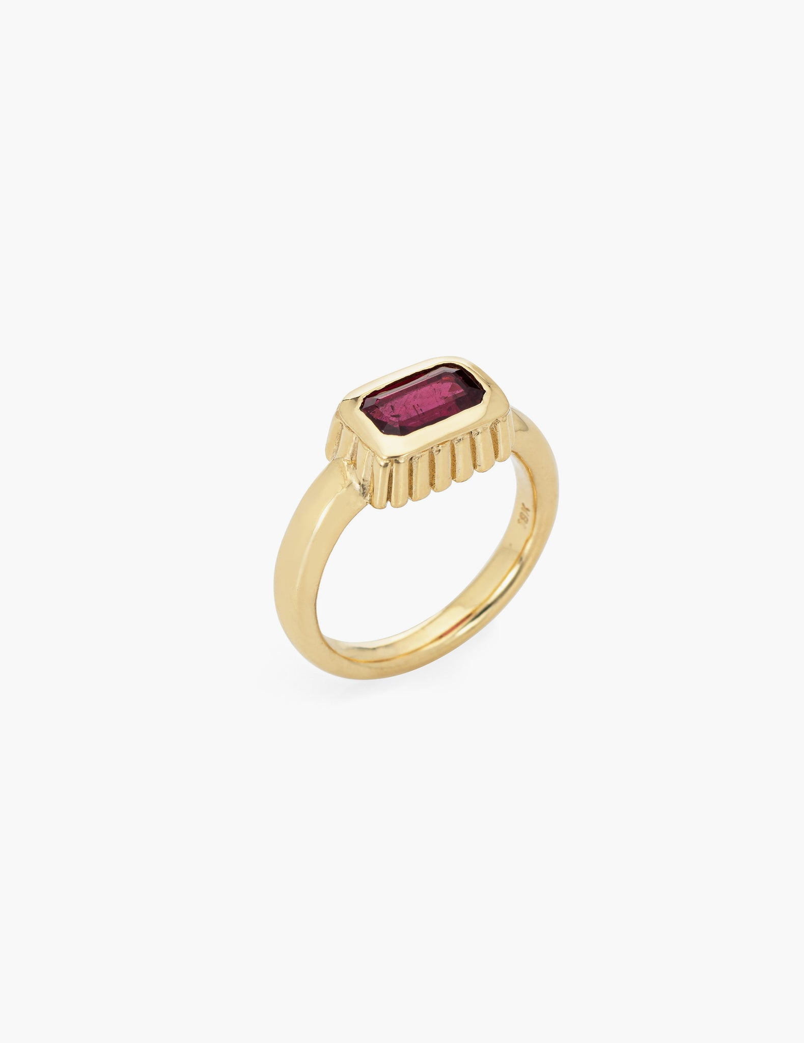 Scallop Ruby Ring in 18k