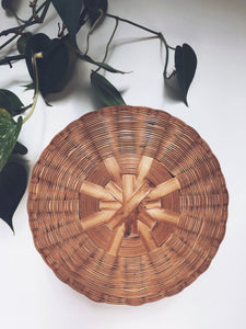 Vintage Round Star Top Basket