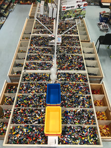 Random bulk LEGO bricks: Sold by the pound.