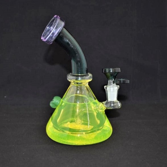 AMERICAN MADE BEAKER STYLE WATERPIPE WITH SKULL & LIQUID (WP375)