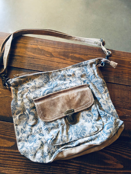 Myra Bag - DOYEN SHOULDER BAG