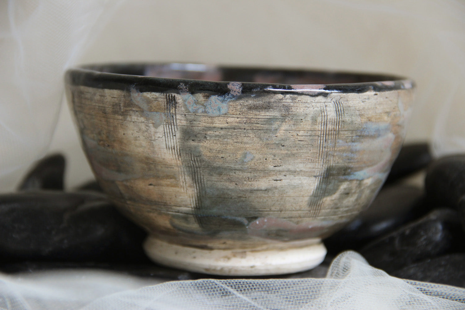 unique-painted-handmade-stoneware-small-pottery-bowl