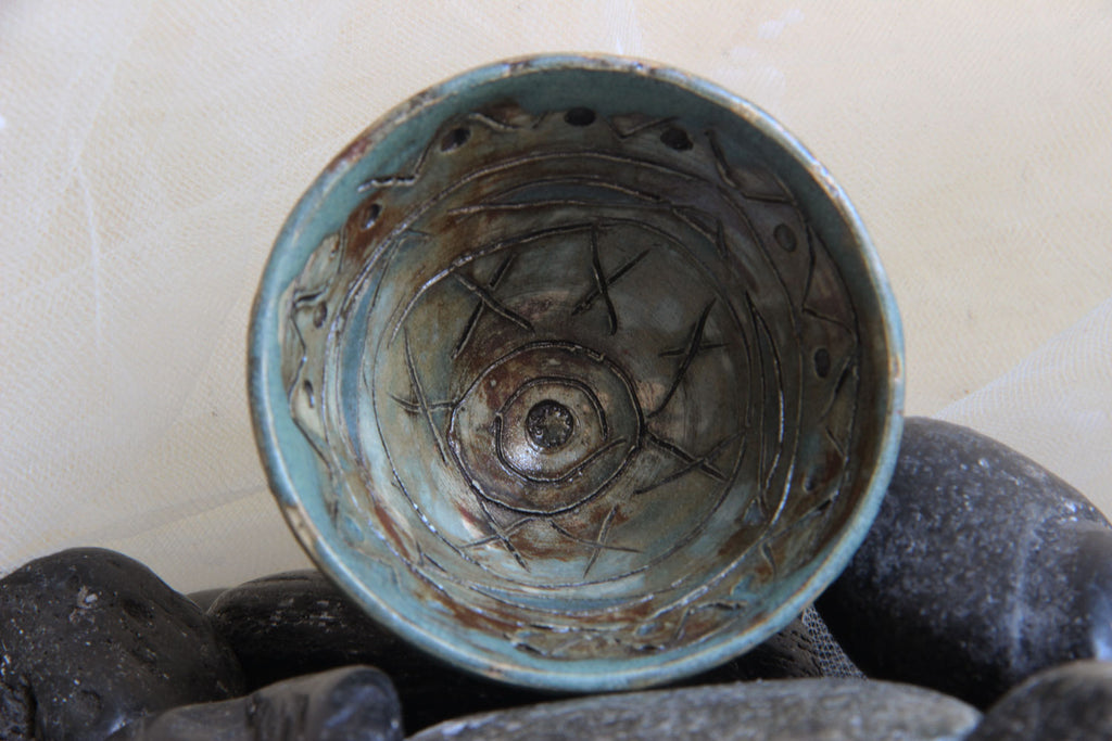 one-of-a-kind-small-carved-beautiful-handmade-stoneware-ceramic-trinket-bowl