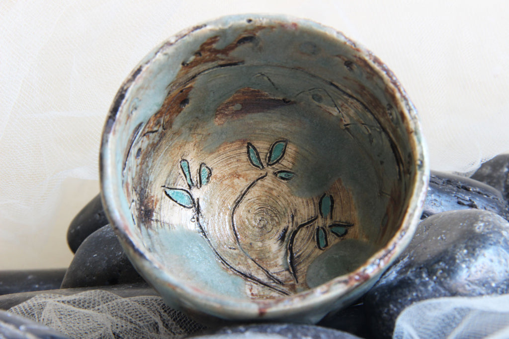 exquisite-carved-flower-small-handmade-stoneware-ceramic-trinket-bowl