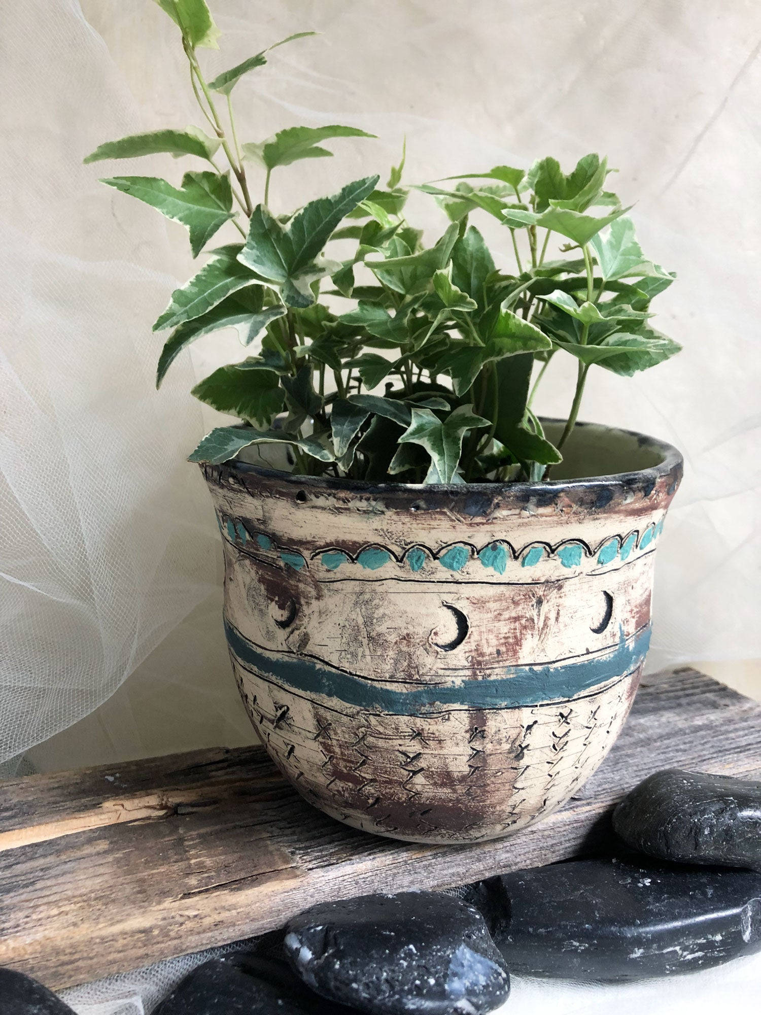 beautiful-handmade-stoneware-ceramic-flower-pot