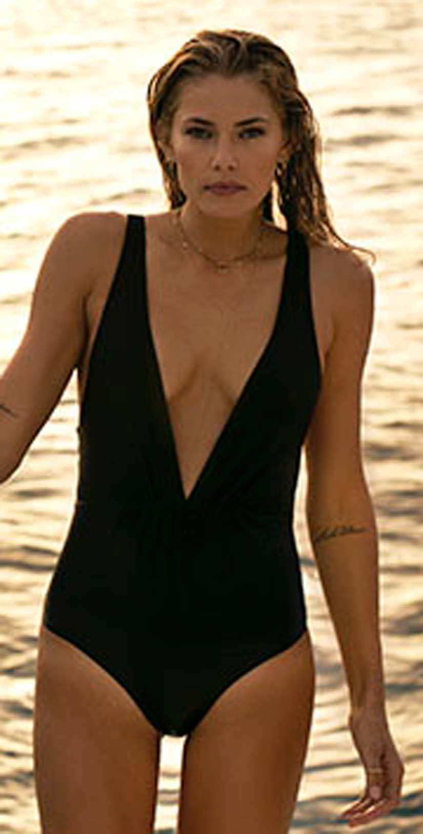 Tori Praver Andie One Piece In Black 1R18SOANSO-BKS