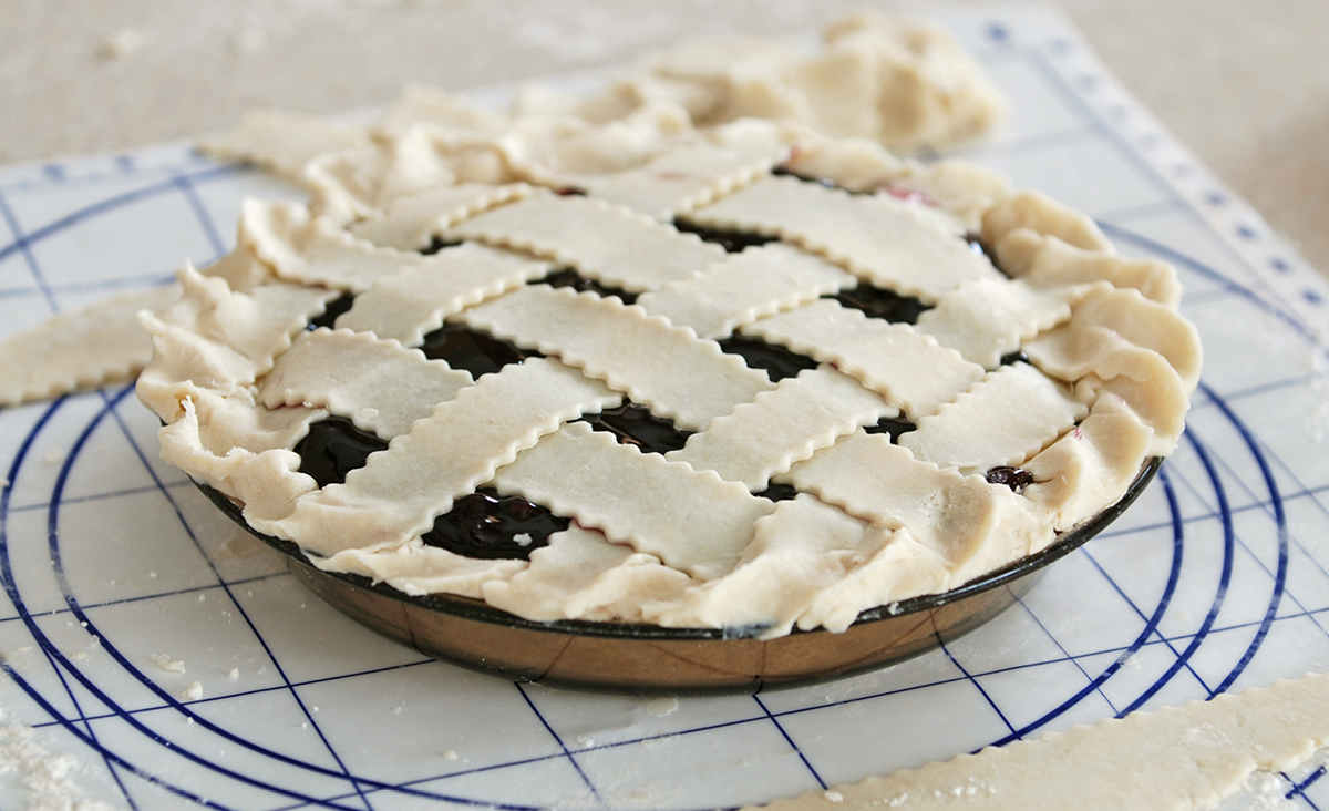 Making blueberry pie
