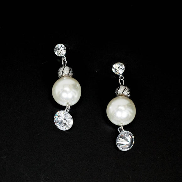 Circular Cubic With Pearl Earrings