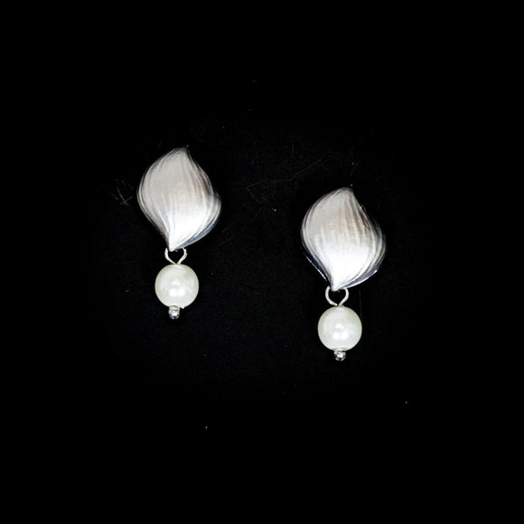 Shell Shape with Pearl Earrings