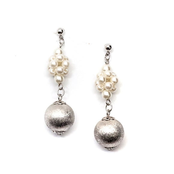 Long Pearl Hanging Earring