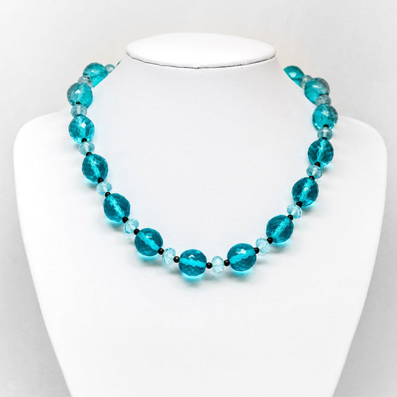 Alternating Bead Necklace