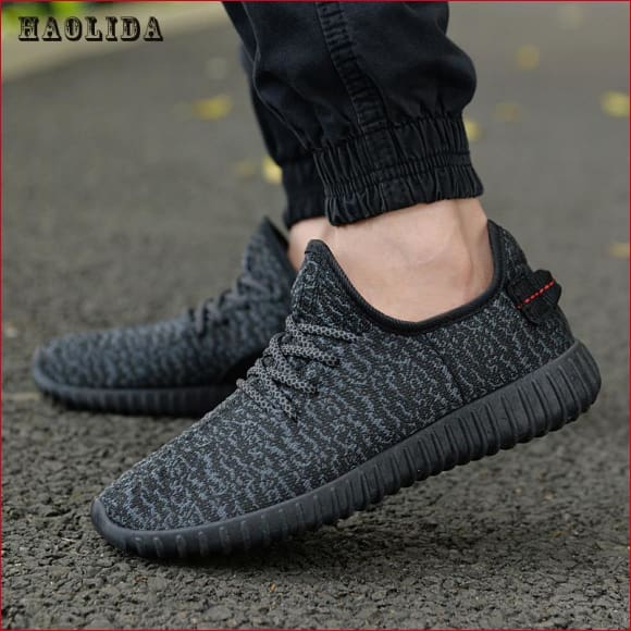 Men Summer Mesh lightweight Comfortable Breathable Loafers.