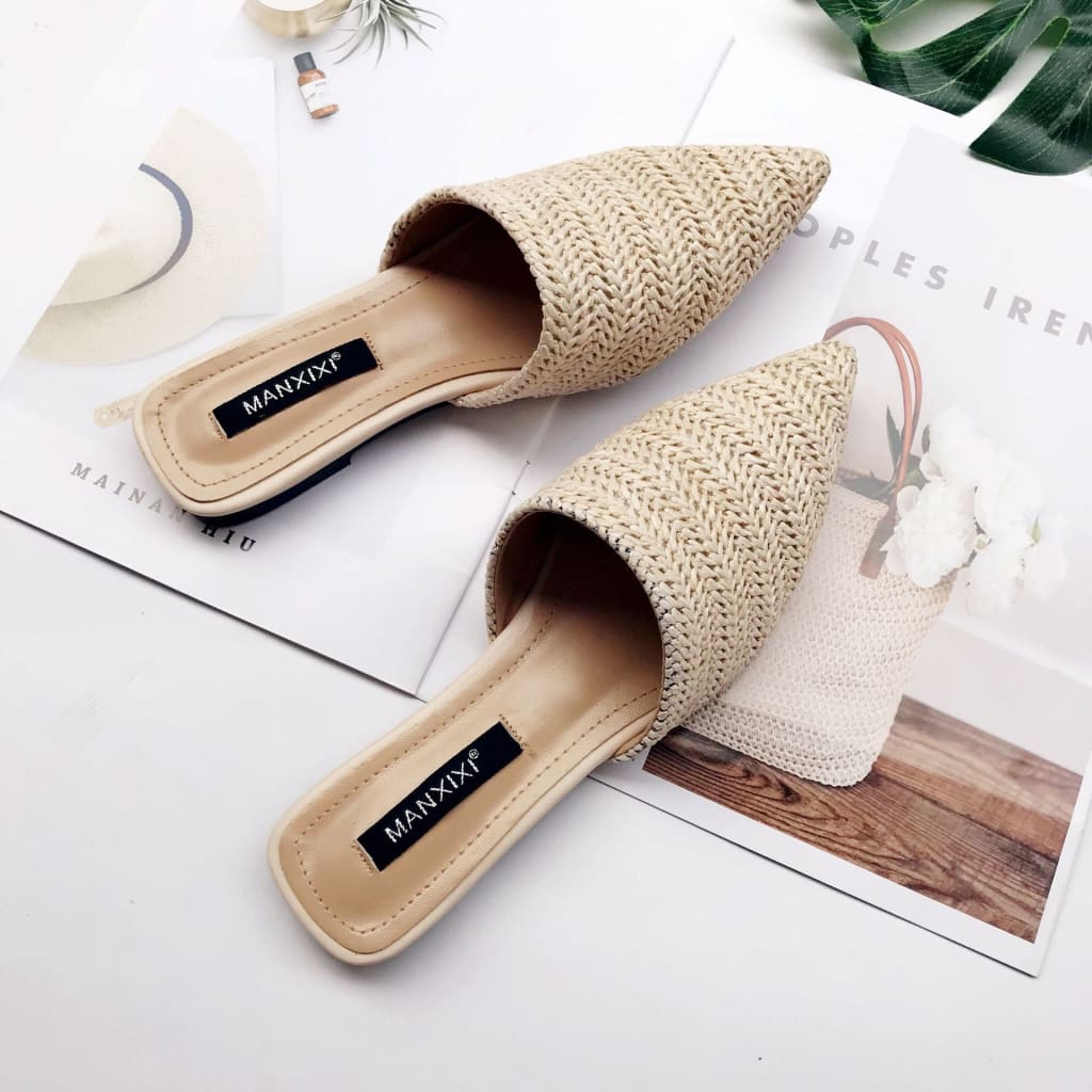 Ladies Fashion Pointed Toe Weave Flat Summer Slip On Shoes.
