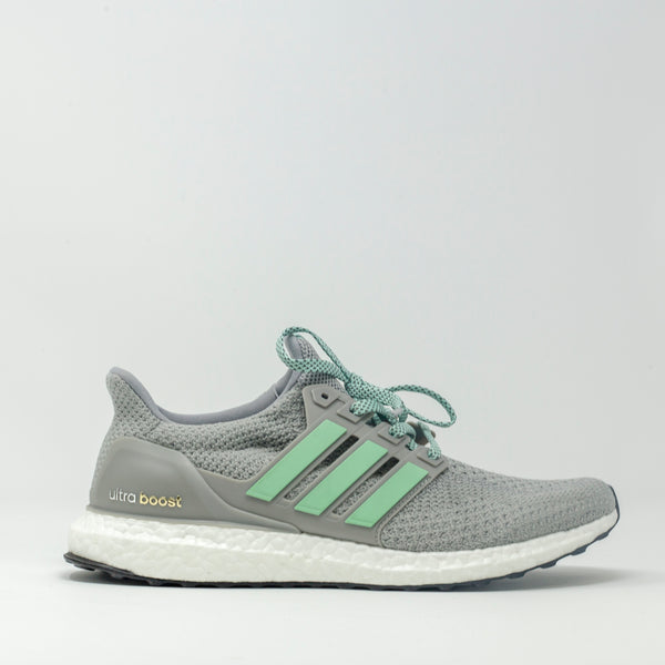 watch 10efe 6f2be Adidas UltraBOOST Statue of Liberty
