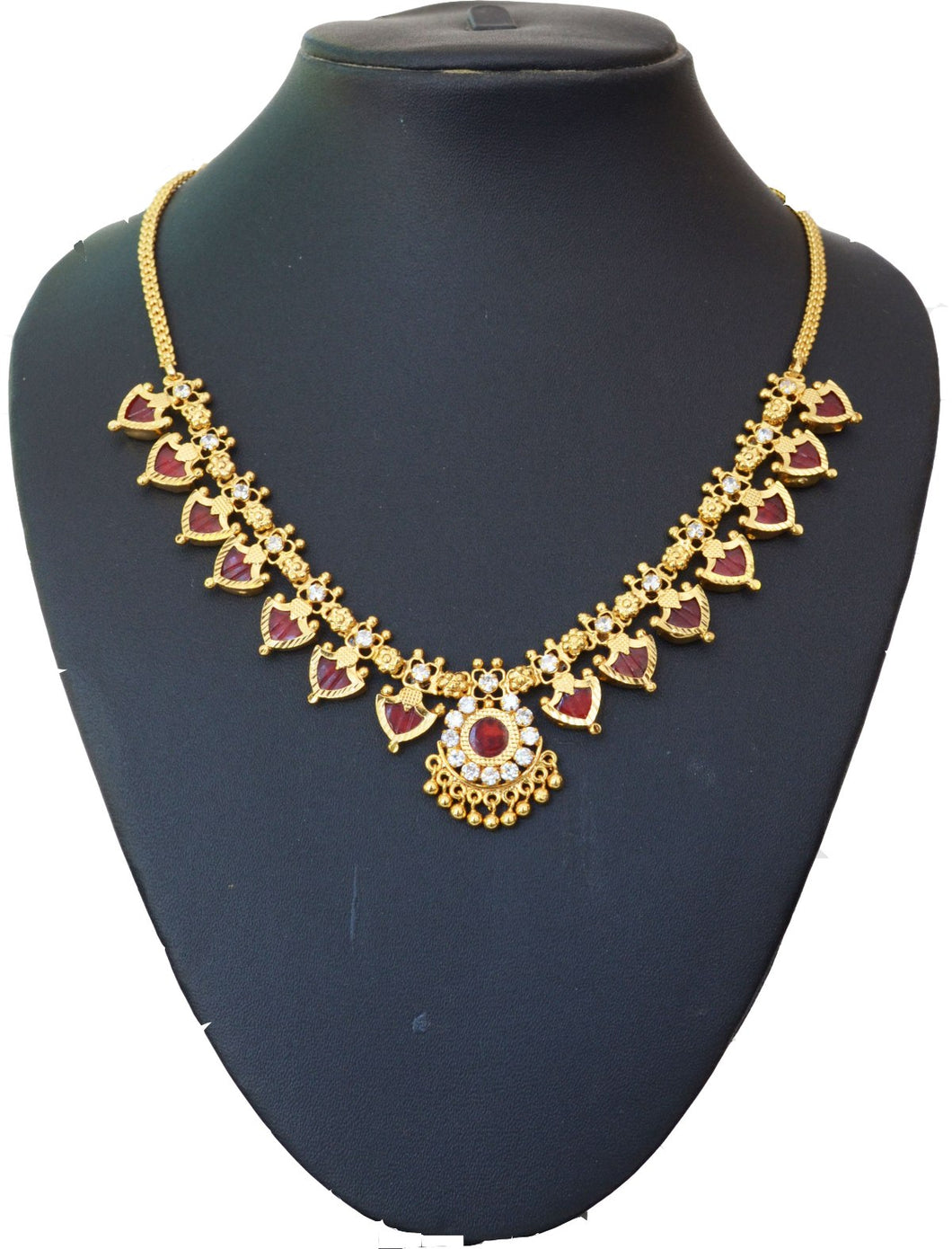 Maroon palakka necklace with 14 palakka -  by Shrayathi