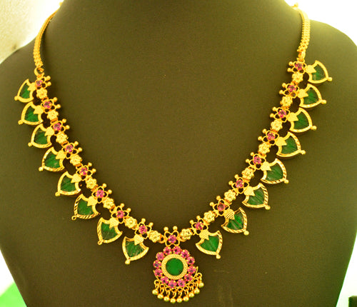 Green palakka necklace with 16 palakka -  by Shrayathi