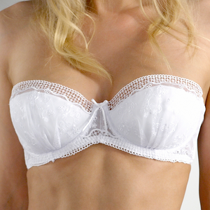 Trellis White Lingerie Gift Set - includes Bra & 2 Briefs in a Gift Box (A to DD cup)