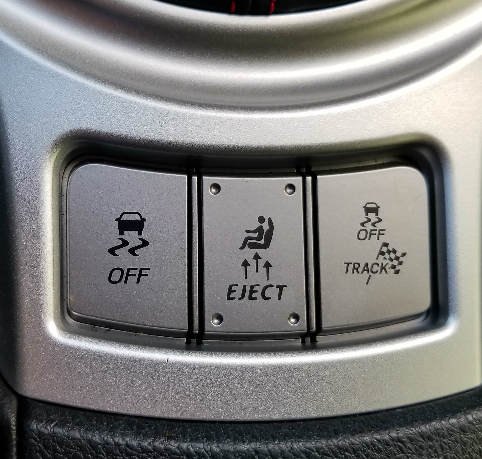 Italic Eject Button