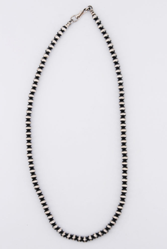 8mm Navajo Pearl 18in Necklace